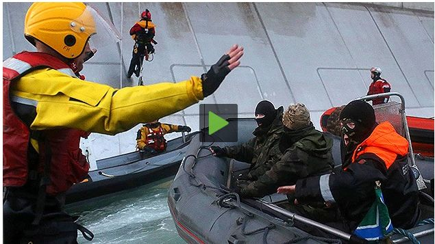 FireShot Screen Capture #121 - 'Rusia procesa a los activistas de Greenpeace que 'asaltaron' una plataforma petrolífera de Gazprom – RT' - actualidad_rt_com_actualidad_view_106644-rusia-procesar-greenpeace-plataforma-p